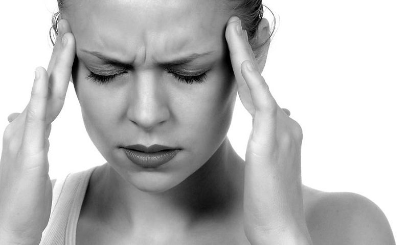 7 Ways to Ease Migraine Pain & Reduce Your Risk